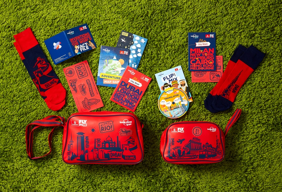 Lonely planet bags (2)