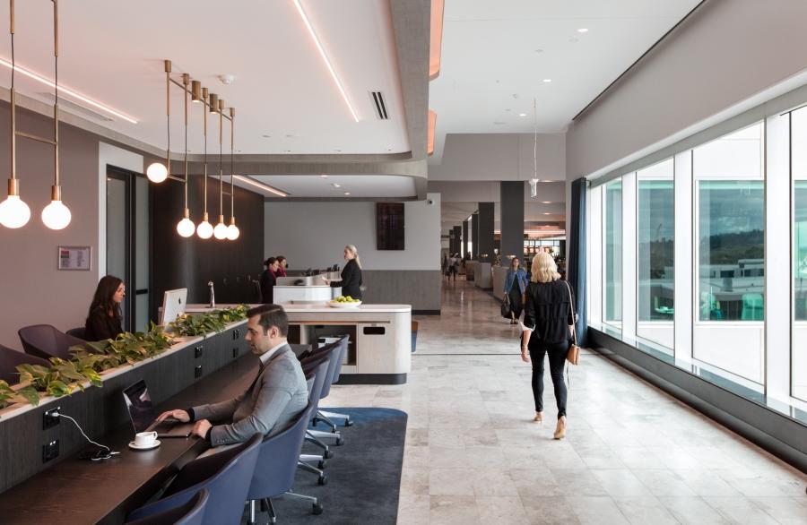 Business Lounge - entrance 1
