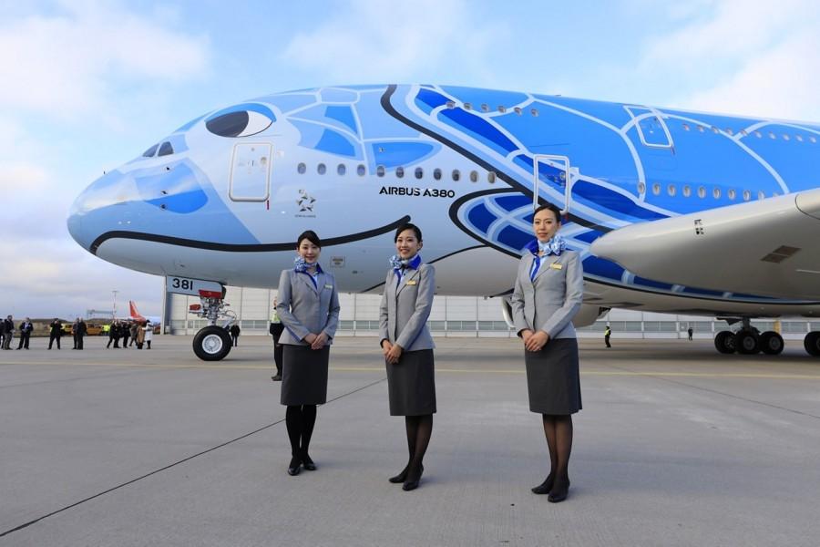 cabin attendants 3-1280x1280