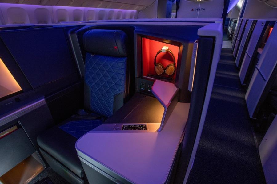 dal_777_delta-one-suites-2.jpg