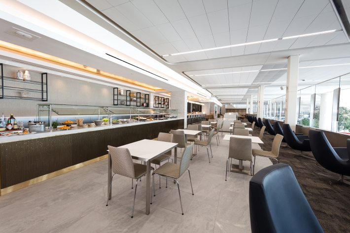 United_LGA_Eating Area