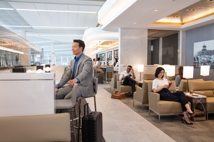 United_LGA_Seating Area