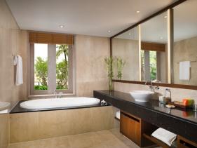 Lagoon Suite_Bathroom
