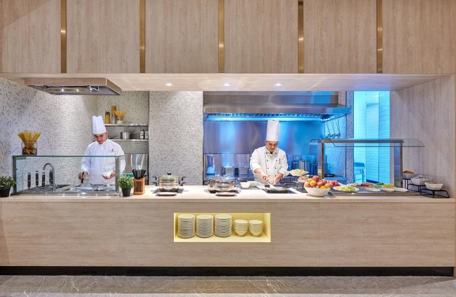 Plaza Premium Lounge - Domestic Arrivals, Mactan Cebu International Airport - live kitchen