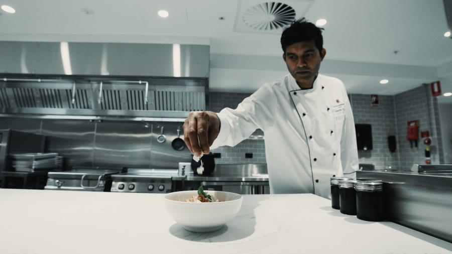 AMEX_LOUNGE_Chef