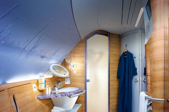 emirates-a380-first-class-shower-spa-above-the-clouds-720x480.jpg