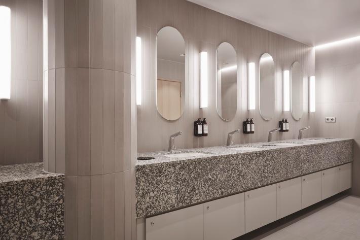 Finnair_NoSe Lounge_Business Lounge_Bathroom