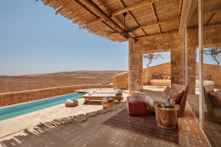 shaharut-israelpanorama-pool-villa-outdoor-terrace2.jpg