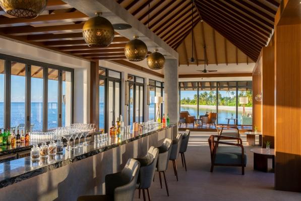 3. Sunset Bar - Pullman Maldives_Saffron Affair
