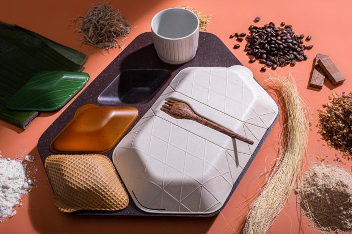 pg_get-on-board_meal-tray_v3_090919.jpg